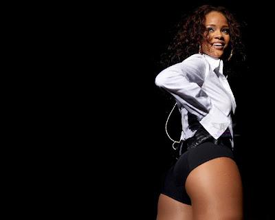 Rihanna Hot