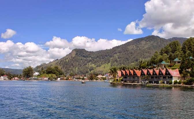 Tepi Danau Toba - blogspot.com