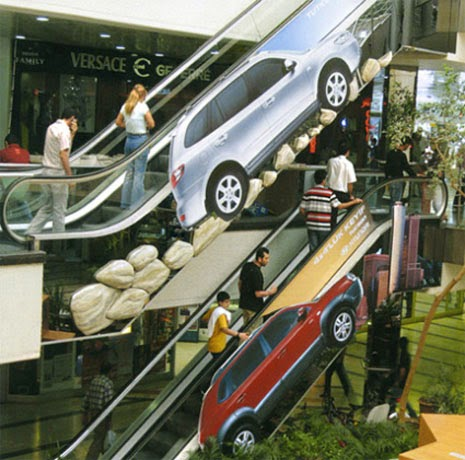 advertising in escalators Hyundai