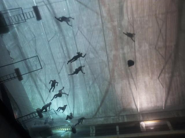 hangar bicocca milano, tomas saraceno hangar, tomas saraceno ballon, ballon art, floating art, architect art, technology art