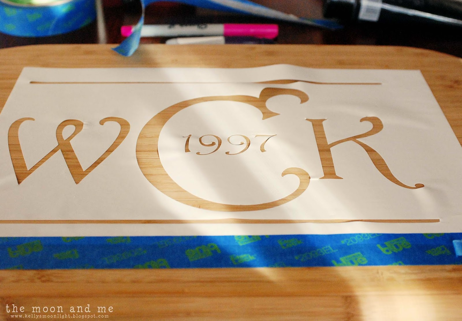 the moon and me diy personalized cutting board, Kitchen design