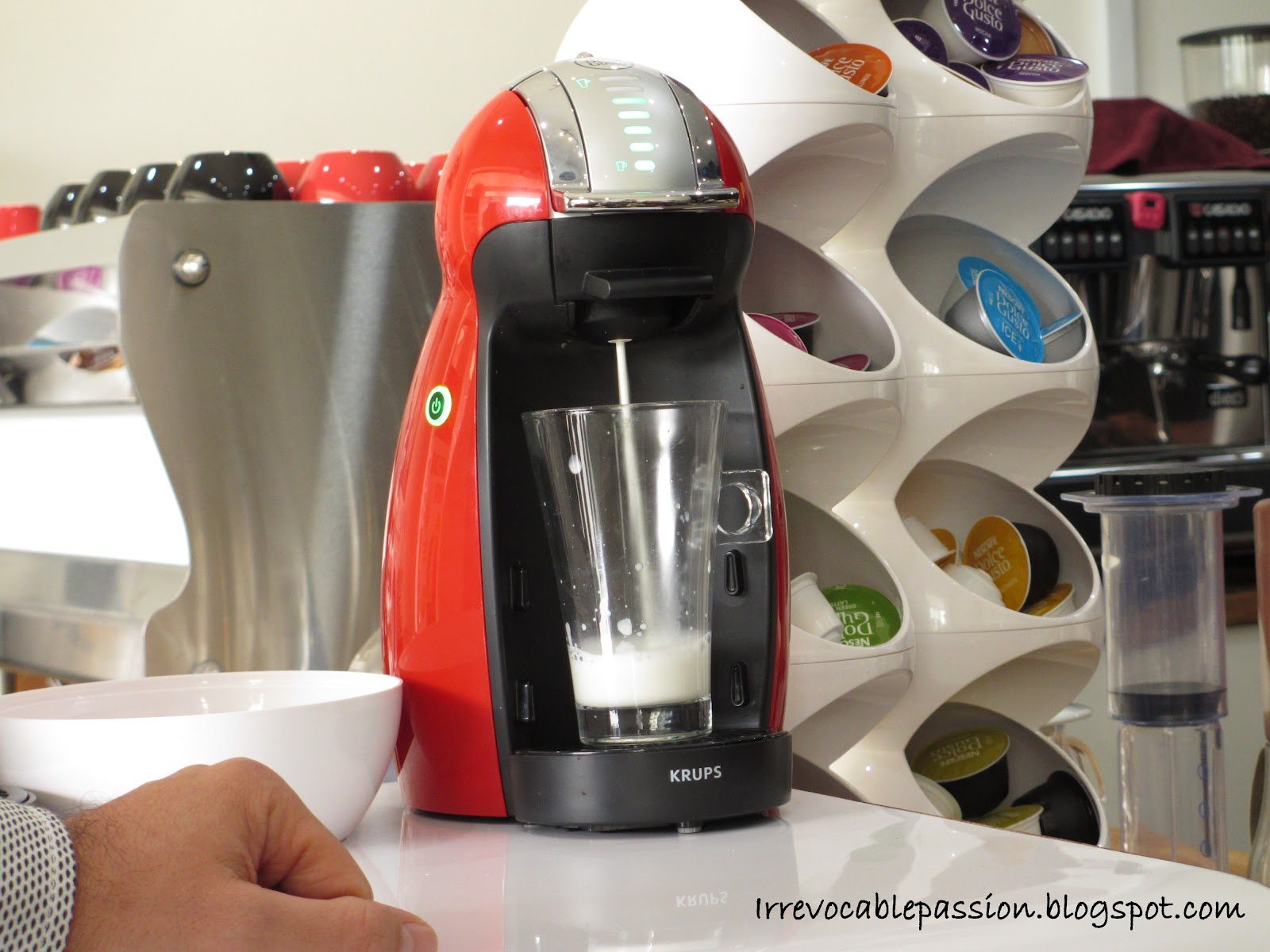 difference between dolce gusto automatic and manual