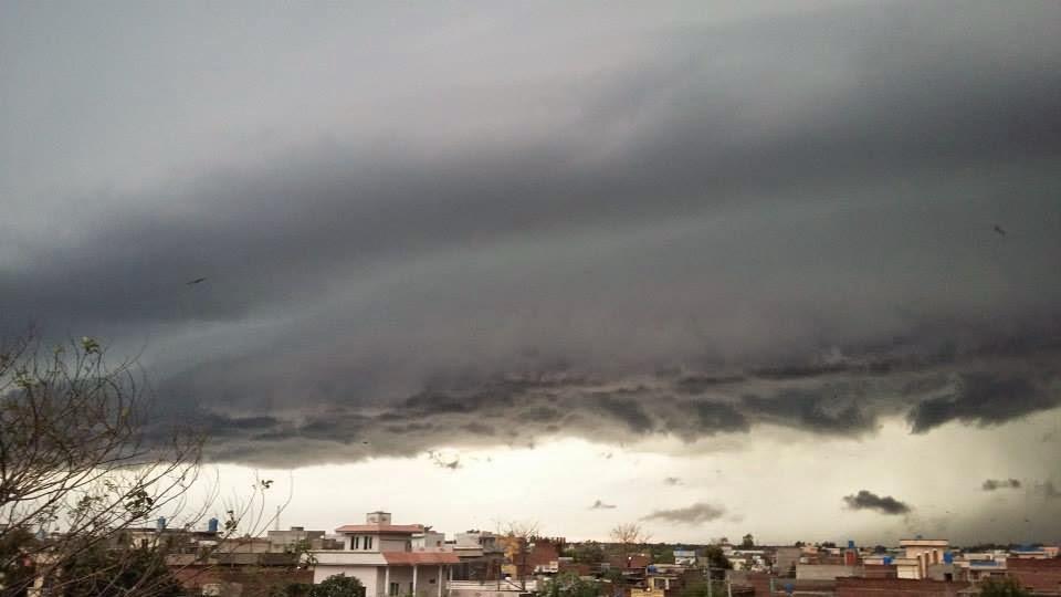 april weather in mumbai