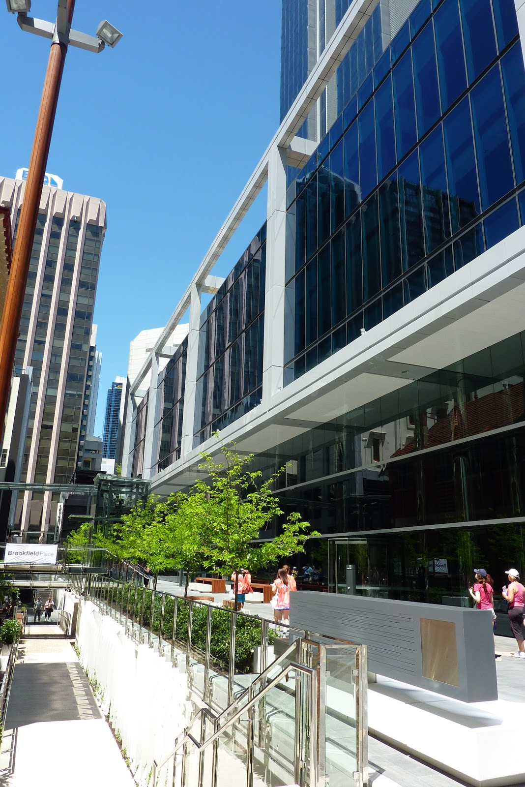 Bhp tower perth green and nabers stars perth observer for 16 st georges terrace