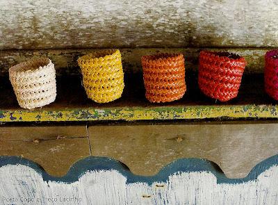 porta treco de palha-porta copo de praia-porta latinha-artesanato de palha de piaçava-artesanato da Bahia-trança de piaçava-artesanato indígena-