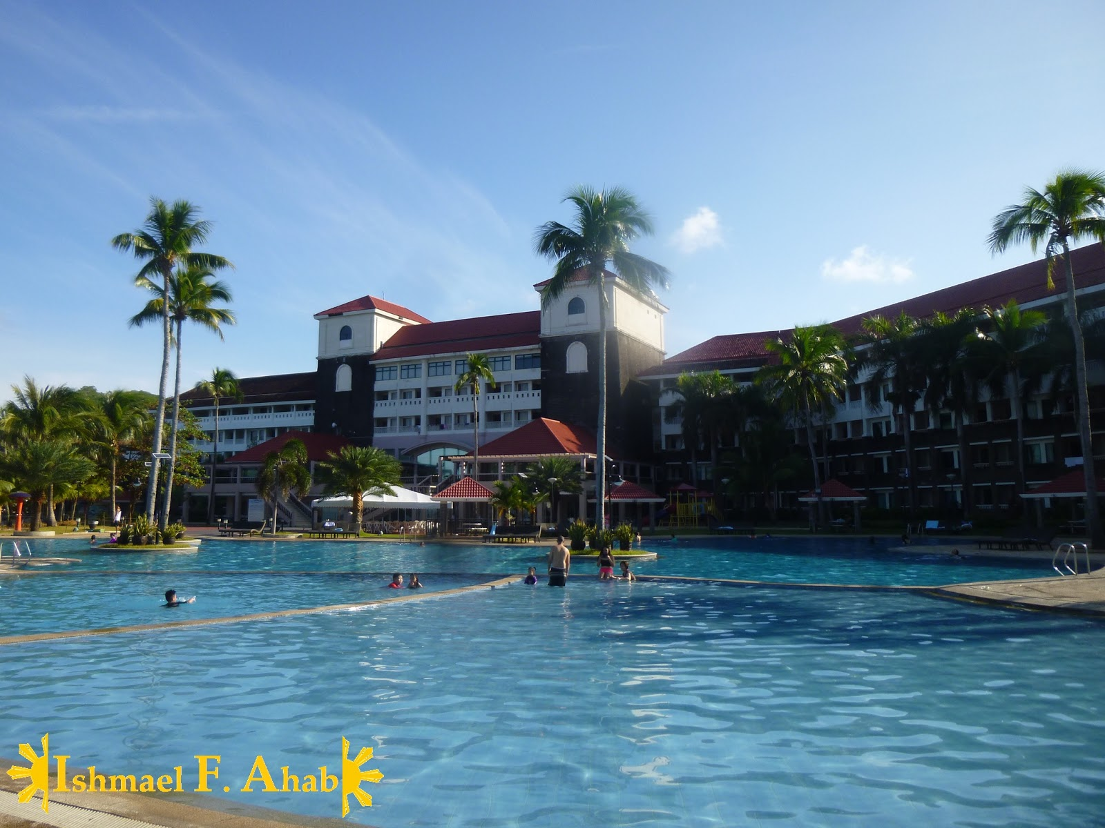 La Familia Ahab S First Grand Outing Overnight Special In Canyon Cove Beach Resort In Nasugbu
