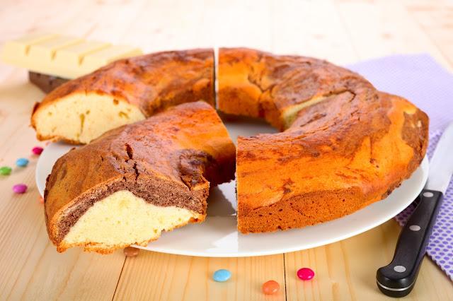 Marmorkuchen für Kinder. Edyta Guhl.