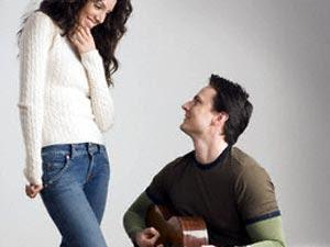 6 أسرار لايبوح بها الرجل لحبيبته - رجل يعزف على الكمان لحبيبته - man play on violin to a woman