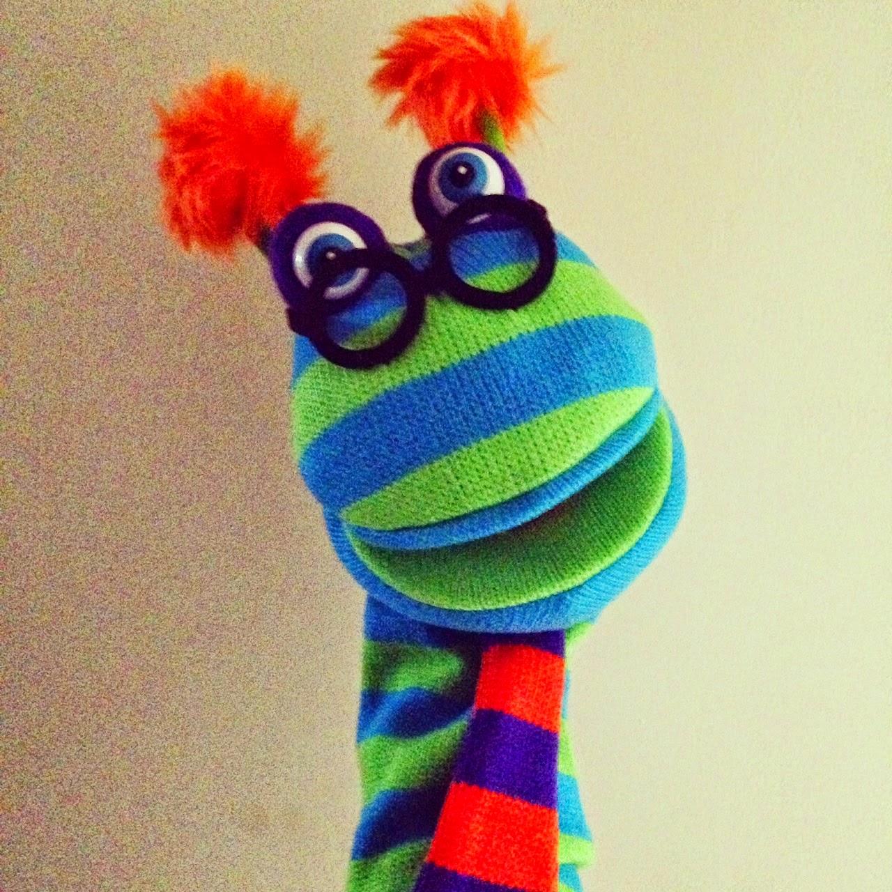 http://spanishwithmisscarolina.blogspot.co.uk/2015/04/el-uso-de-marionetas-en-la-clase-de-ele.html