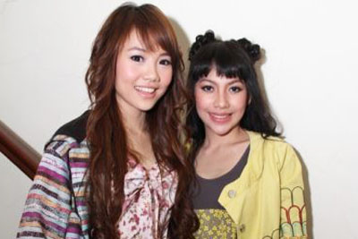 Foto Hot Keiza dan Stefani Personel Baru Cherry Belle 2012