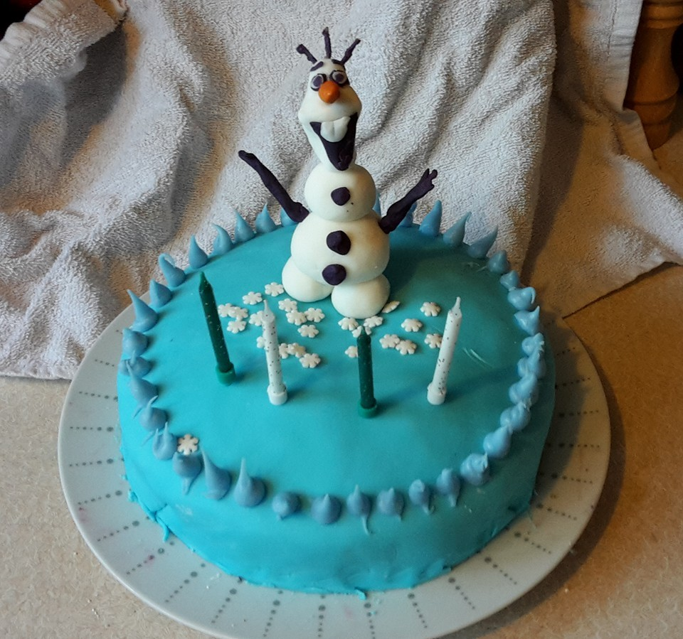 Like Every Four Year Old Girl In The Western World Shes Obsessed With Frozen So An Olaf Cake Seemed Just Within My Capabilities