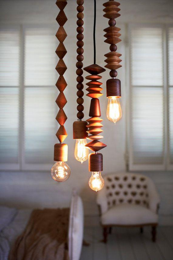 luminária de sobras de madeira torneada
