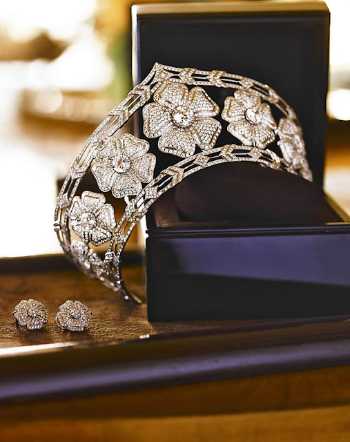 yanes, joyas, lujo, joyería, accesorios, regalos, oro, diamantes, tiara, flores