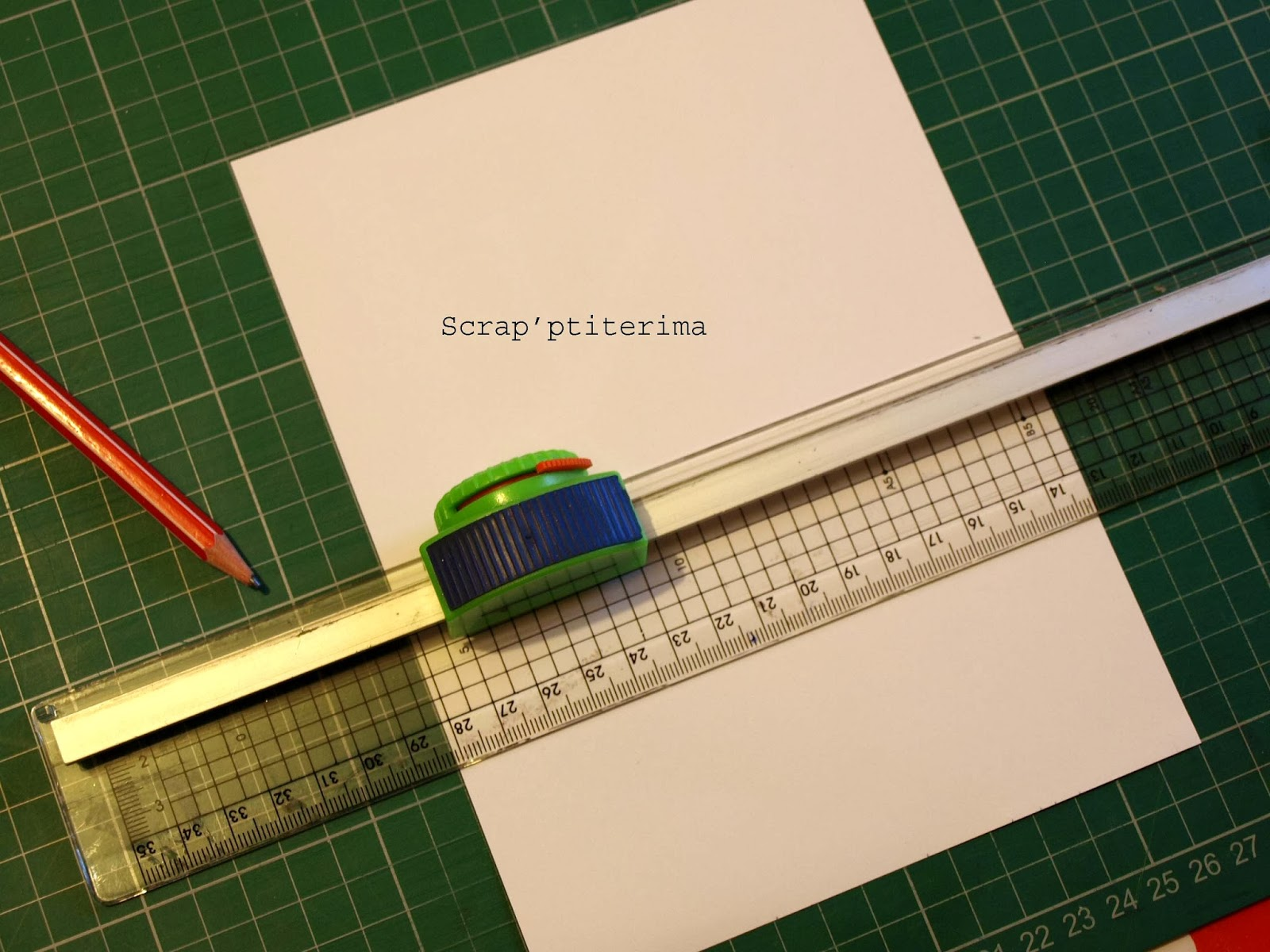 Scrap 39 ptiterima scrap 39 astuce tapis de coupe et massicot - Regle pour mesurer ...