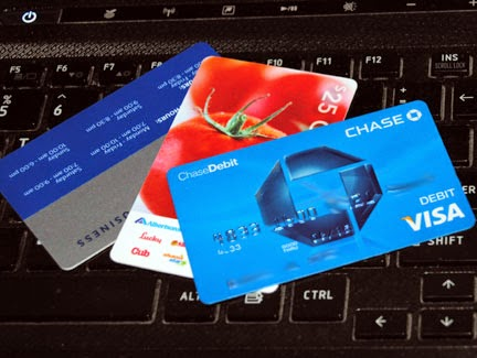 Credit_cards_shopping_online