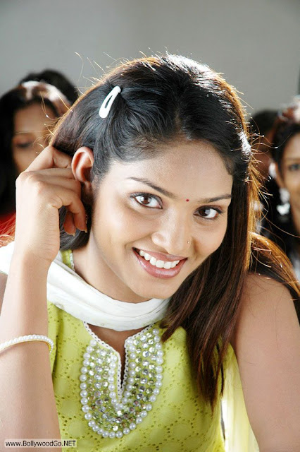 Deepa+Chari+-+BollywoodGo+(4)
