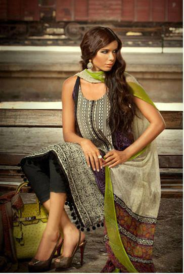 Sana Safinaz Summer Catalogue Collection