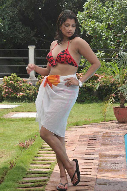 Nadeesha Hemamali Hot Photos