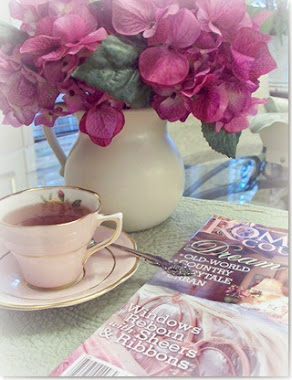 Tea and a magazine....I call that bliss