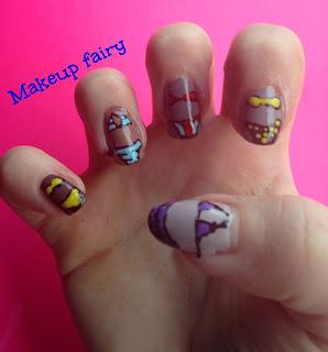 bikini nail art