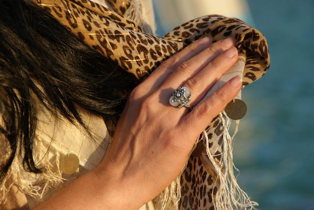 anillo+piedra+blanca+brillantes