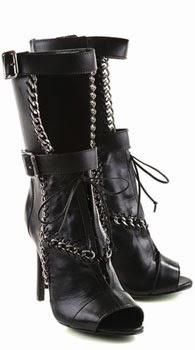 Schutz coleção inverno 2014 bota de cano médio preta com correntes e fivelas