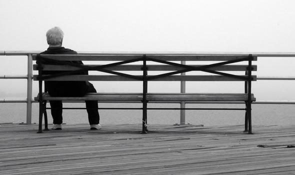 loneliness.jpg (590×350)