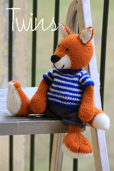 Knitting Pattern For Fox : Twins Knitting Pattern MiniShop: Red Knitted Fox and Grey Knitted Fox (i...