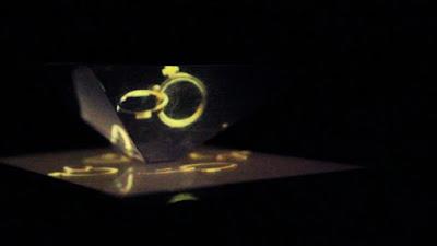 Hologram 3D dengan layar smartphone