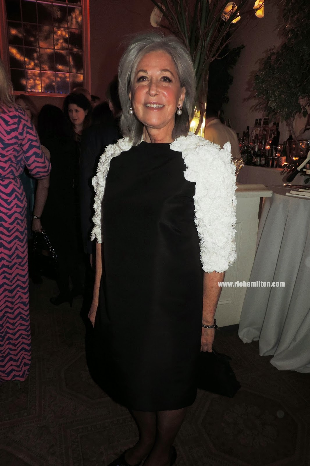 new york school of interior design cocktail party and awards interior designer susan zises green pretty lady in a pretty dress