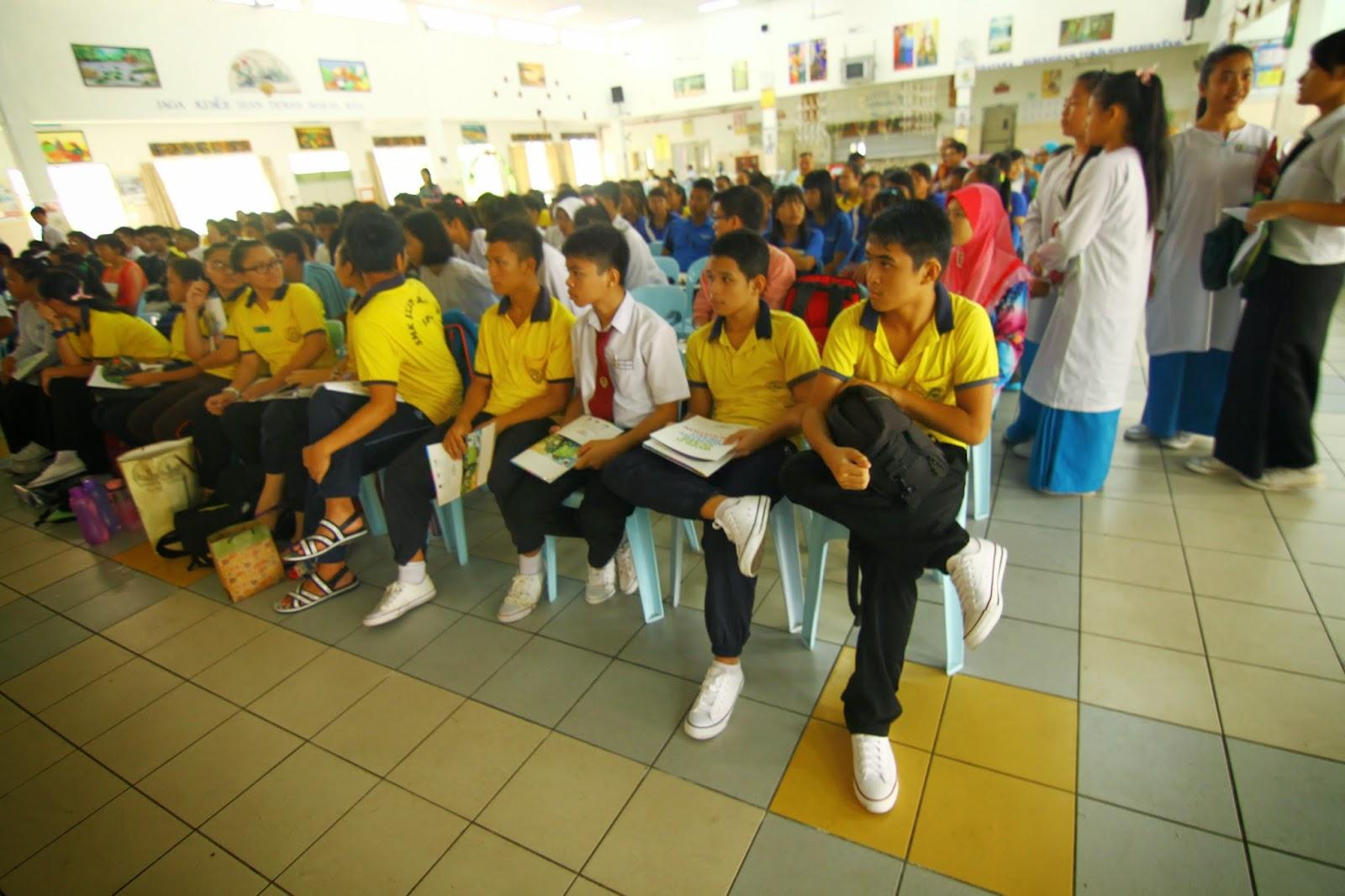 Sebahagian daripada peserta yang mengikuti Bengkel Pembikinan Filem Pendek di Sibu
