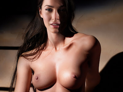 Megan Fox naked show nude trimmed pussy