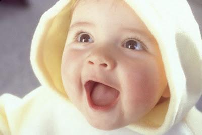Bayi Imut Umur 6 Bulan