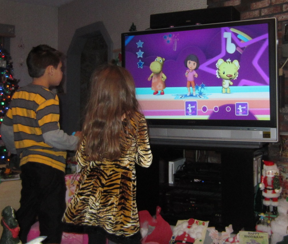 Evan And Laurens Cool Blog 112512 Nick Dance 2 From 2K Play