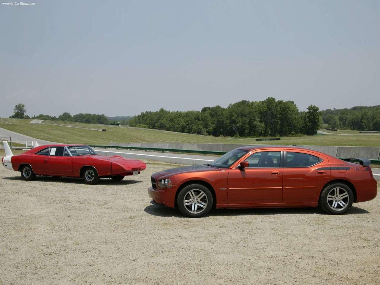 http://1.bp.blogspot.com/-XrSblTqXcYs/TXN_N678EVI/AAAAAAAADTE/8LChJ4GSciQ/s1600/Dodge-Charger_Daytona_RT_2006_1280x960_wallpaper_06.jpg