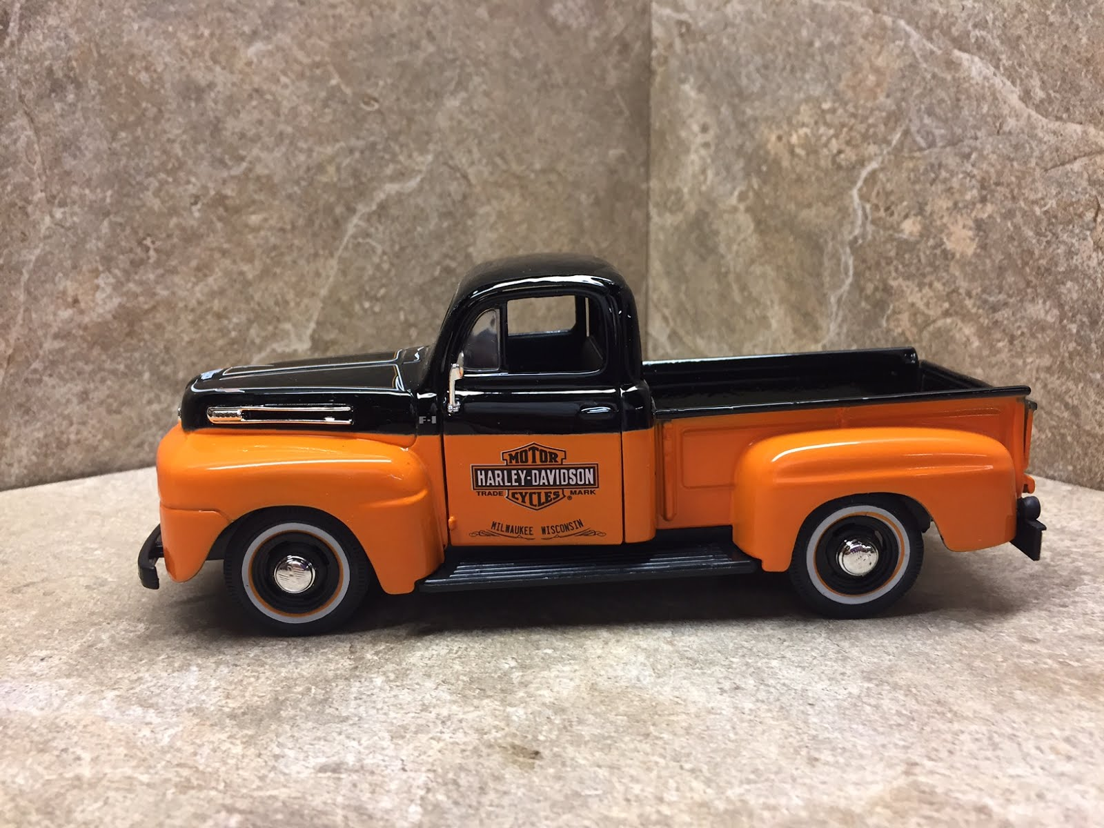 1948 Ford Pickup truck (Harley Davidson)