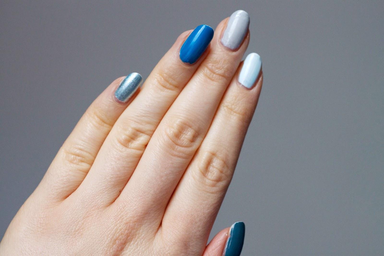BEAUTY : BLUE MOON NAILS