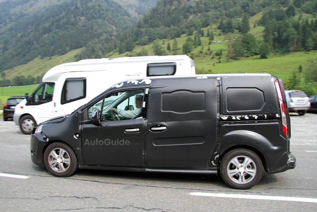 autos am ricaines blog 2014 ford transit connect en tenue de camouflage. Black Bedroom Furniture Sets. Home Design Ideas