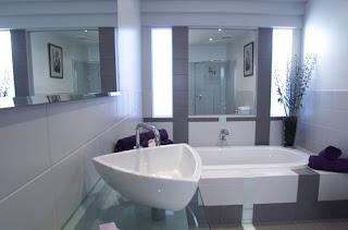 Lavatório de casa de banho moderno