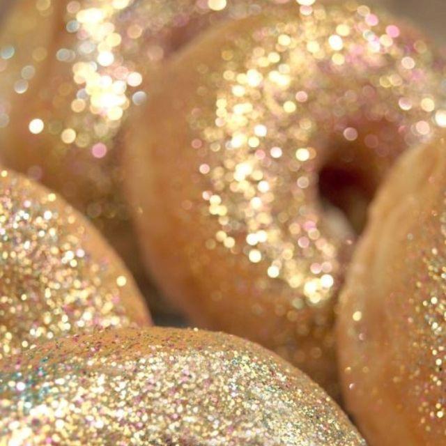gold doughnuts ciambelle