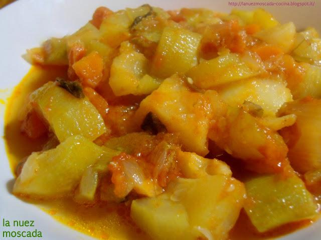 minestra fredda di cuccuzza longa (zucca serpente o zucchina lunga di sicilia) - sopa fría de cuccuzza longa (calabaza de verano de sicilia)