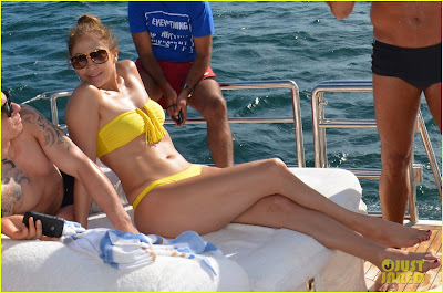 Jennifer Lopez, on a yacht vacation