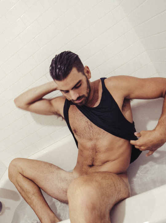 nyle+di+marco+butt