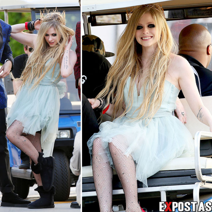 Videoclip » Here's to Never Growing Up [¡100 Millones!] - Página 3 Avril-Lavigne-2013-04-07---On-Set-of-her-new-Video-HERE'S-TO-NEVER-GROWING-UP-in-LA