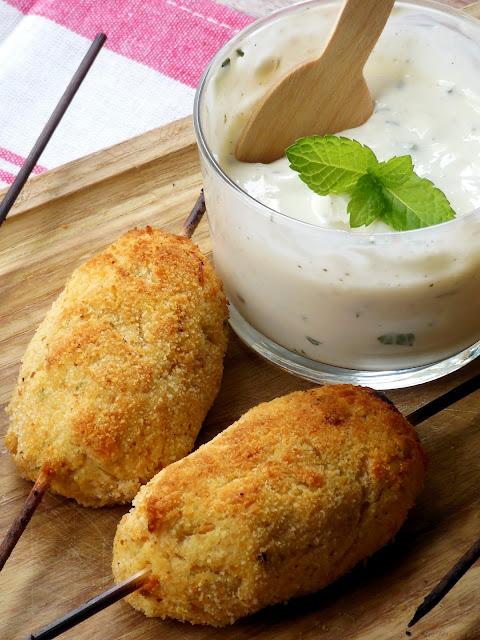 ... , con una ligera salsa de yogurt ,queso cremoso y menta picada