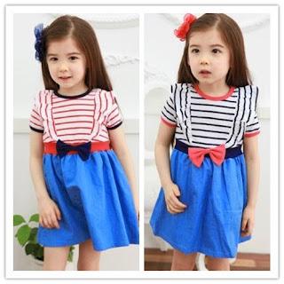 foto anak kecil perempuan bergaya ala korea biru
