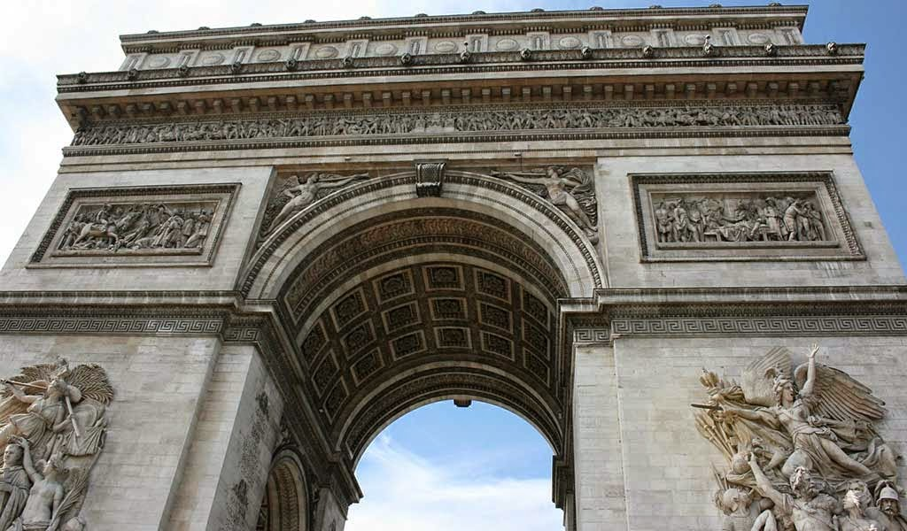 discover travel tours top 5 ultimate things to do in paris