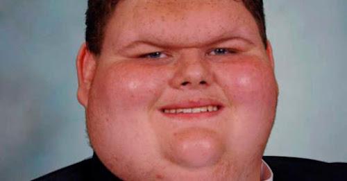 Este garoto sofria Bullying mas depois que começou a cantar sua vida mudou complemente