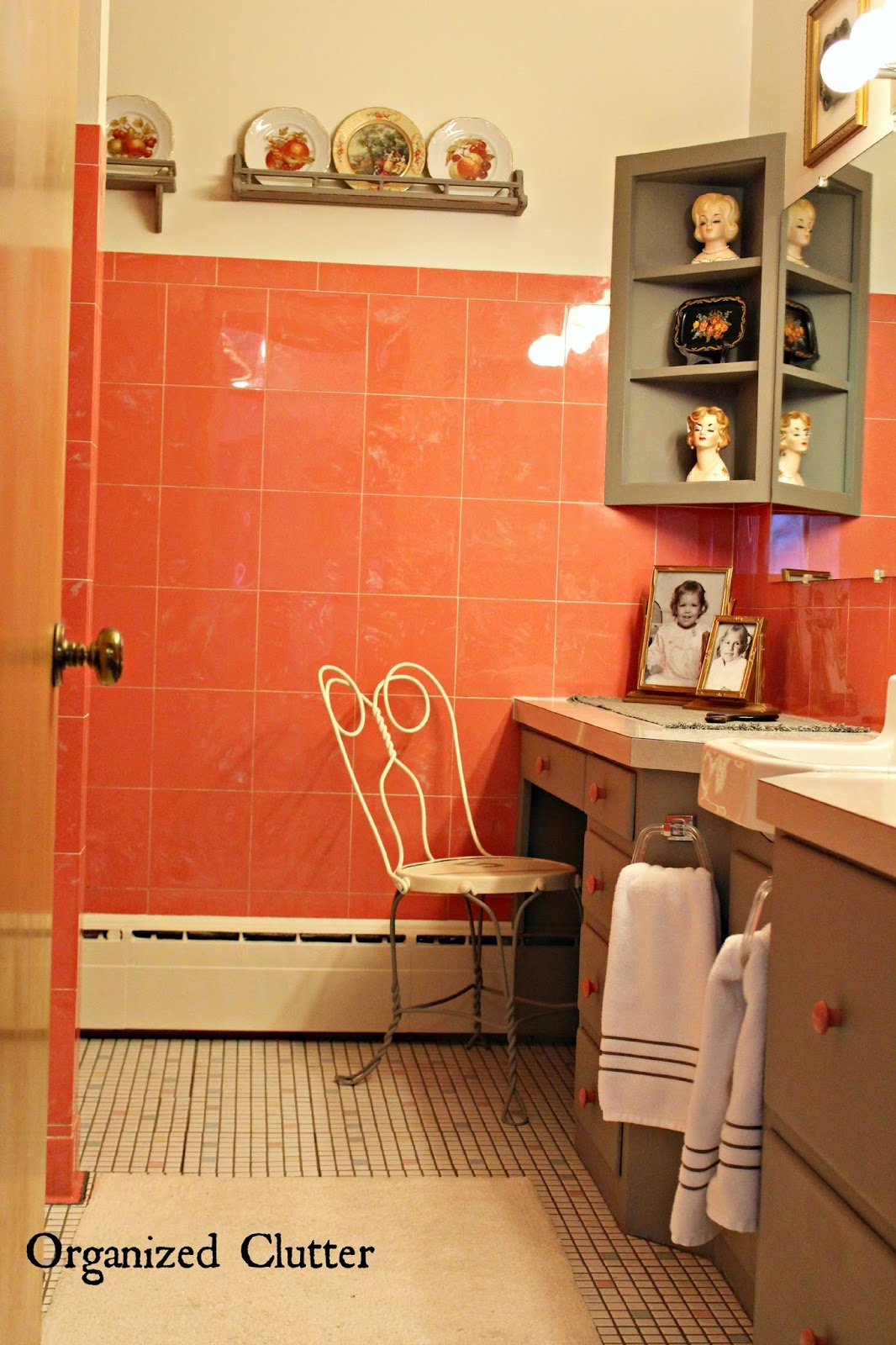 Period Decor in a Vintage Bathroom www.organizedclutterqueen.blogspot.com
