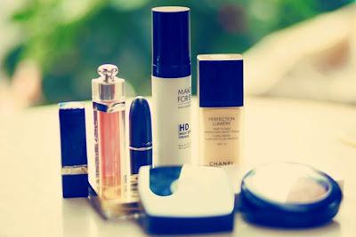 trang điểm, dụng cụ trang điểm, đồ trang điểm, mỹ phẩm, make up, góc làm đẹp, son phấn, dưỡng da